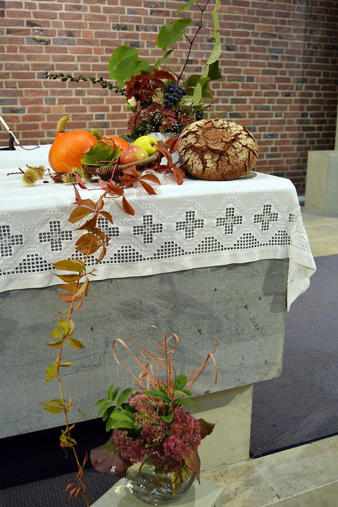 5-Erntedankfest-7102018-St-Matthias-Deuz.jpg